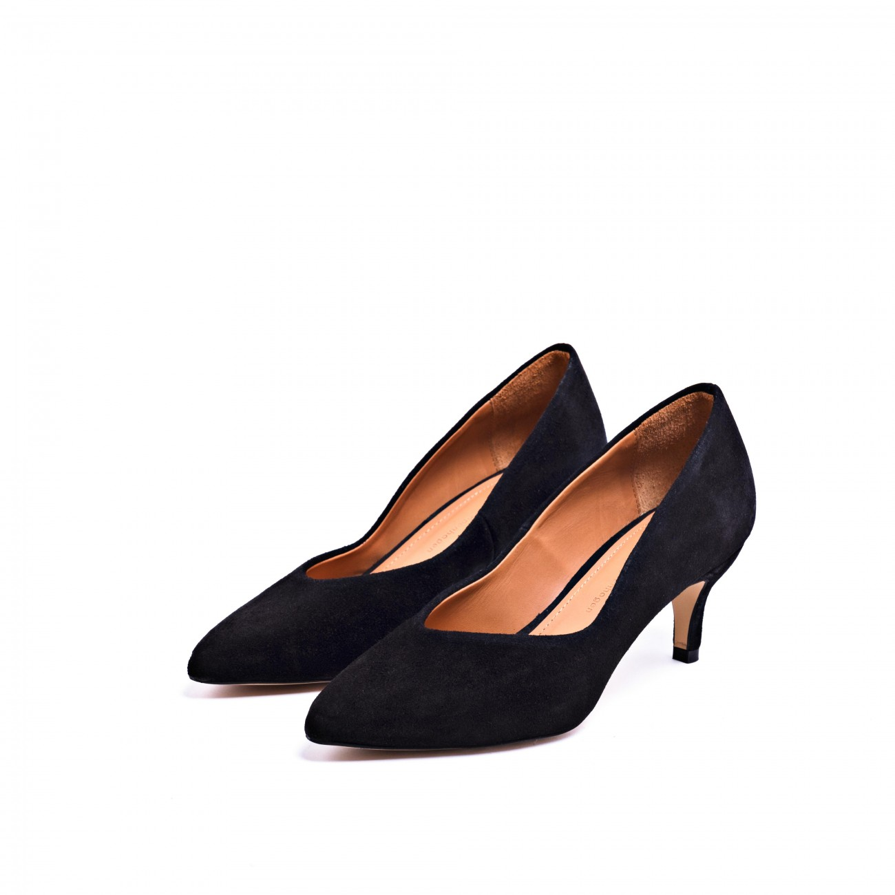 Villa Black Suede Pump