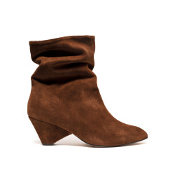 Vully 50 Triangle Suede Chestnut