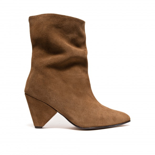 Vully 75 Triangle Suede Cinnamon