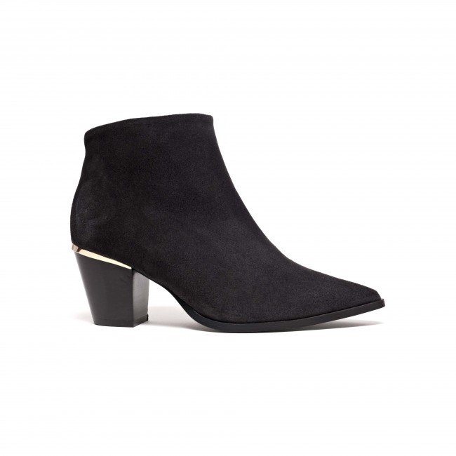 Suzie Suede Off black