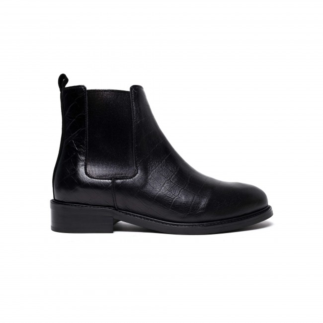 Hazel Croco calf Black