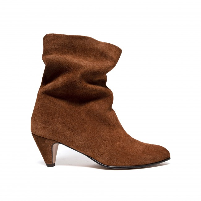 Vully 50 Stiletto Calf suede Chestnut