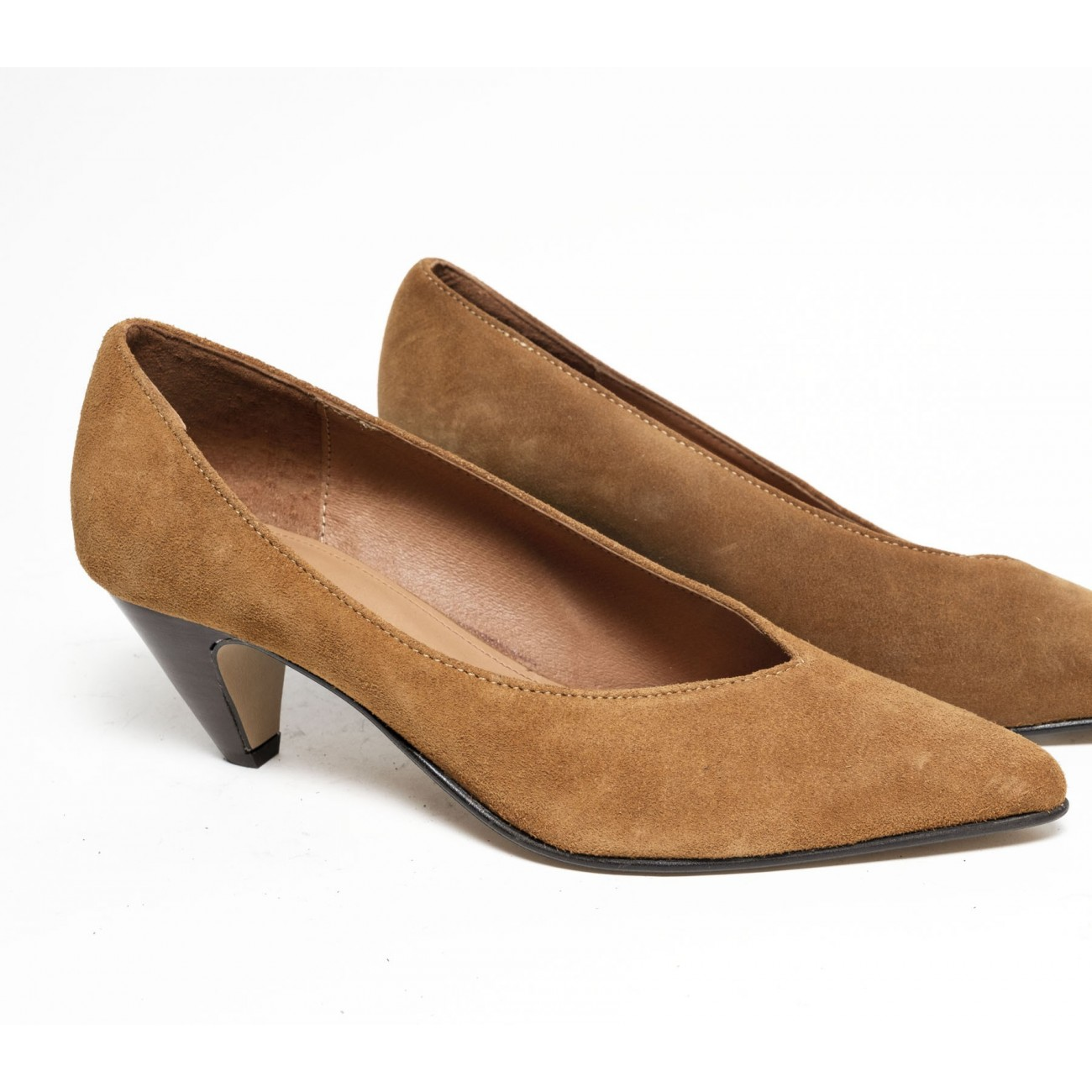 Maggie Suede Camel - Size 38