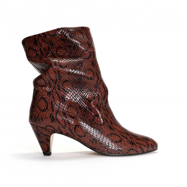 Vully 50 Stiletto Snake calf Chestnut